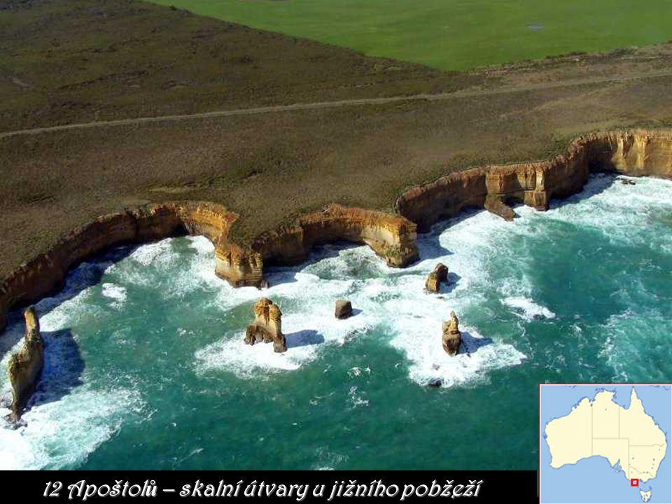 12 Apoštolů – skalní útvary u jižního pobžeží