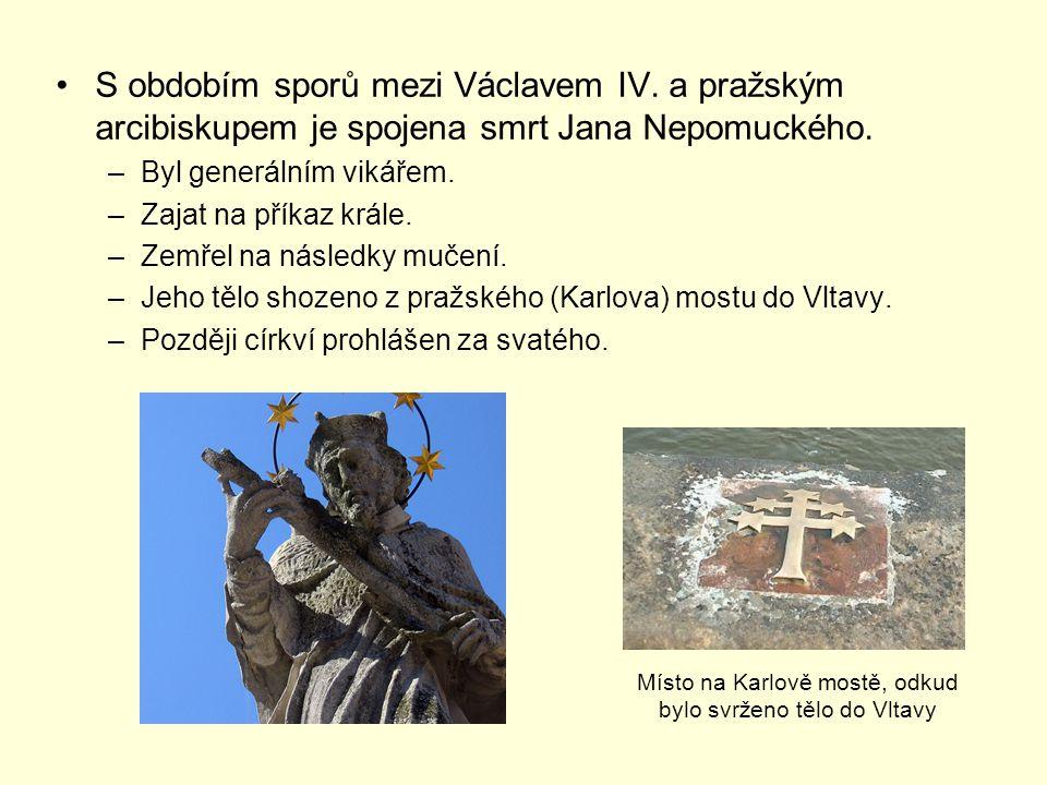 Místo na Karlově mostě, odkud bylo svrženo tělo do Vltavy