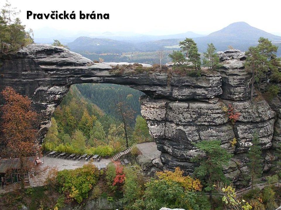 Pravčická brána http://cs.wikipedia.org/wiki/Soubor:Pravcicka_brana1.JPG