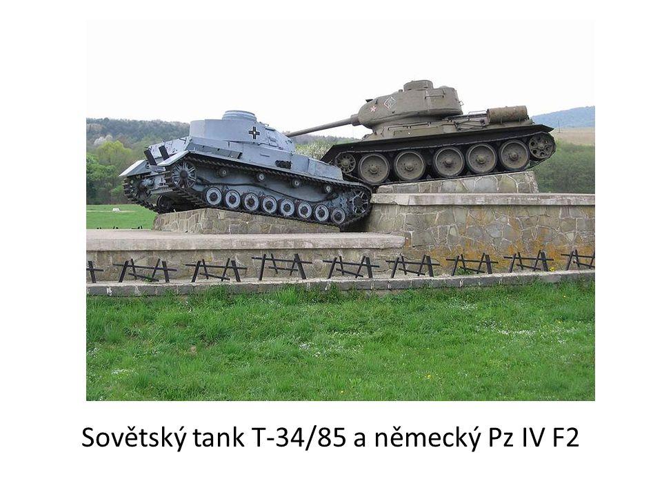 Sovětský tank T-34/85 a německý Pz IV F2