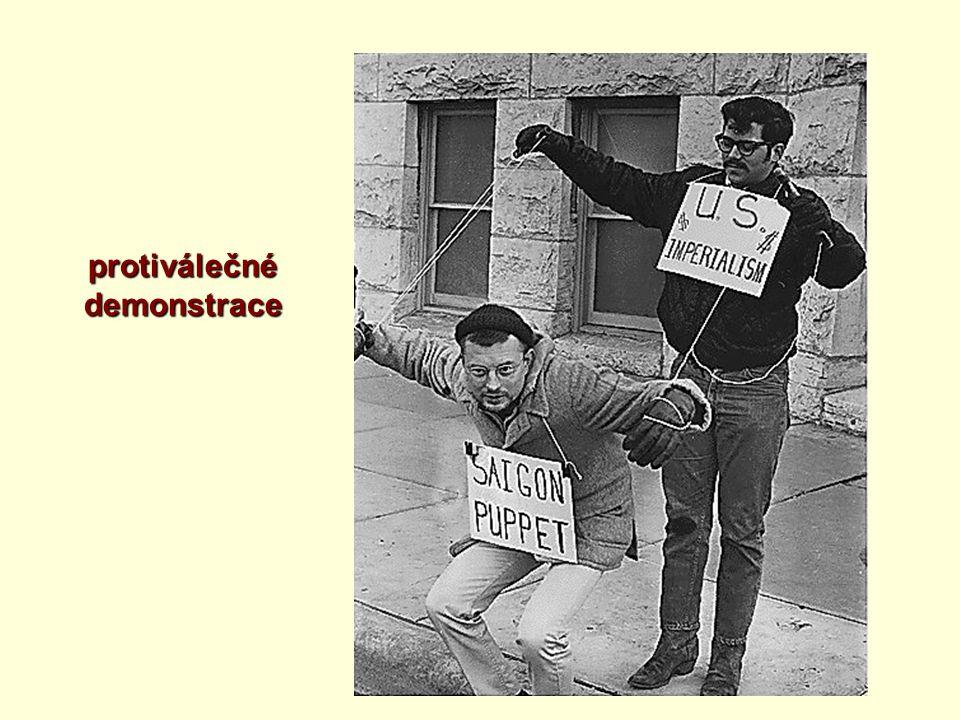 protiválečné demonstrace
