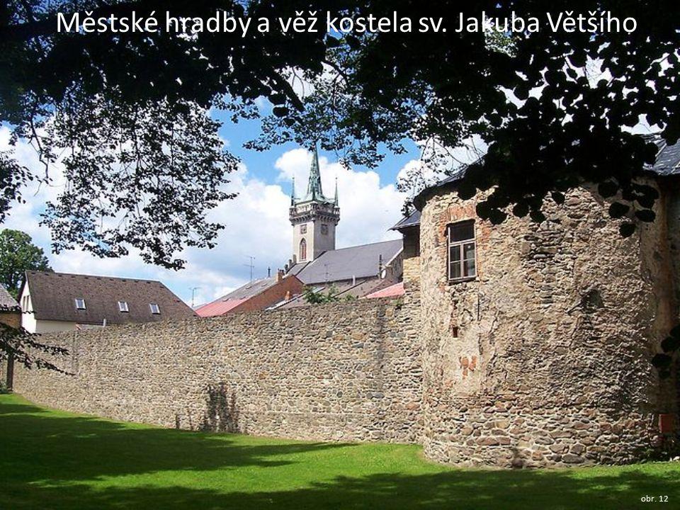 Městské hradby a věž kostela sv. Jakuba Většího