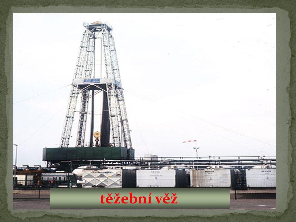 těžební věž