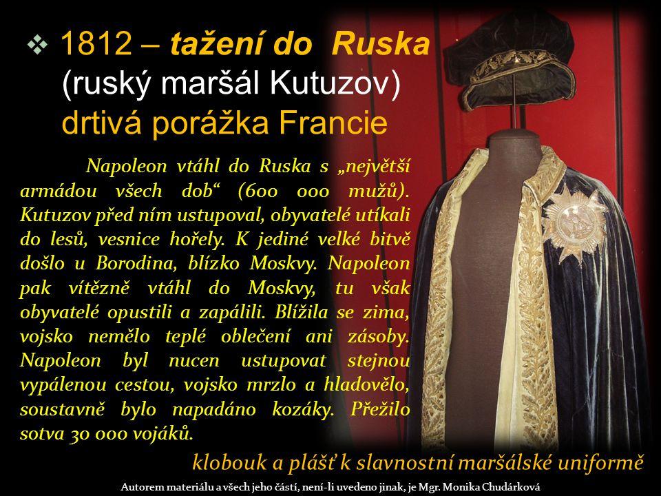 klobouk a plášť k slavnostní maršálské uniformě