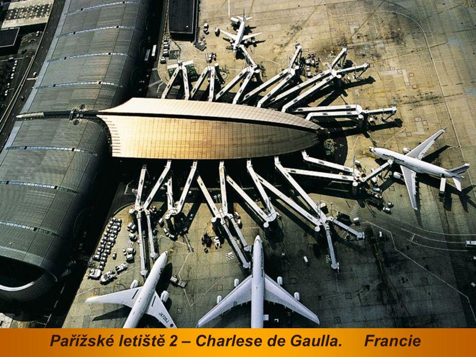 Pařížské letiště 2 – Charlese de Gaulla. Francie