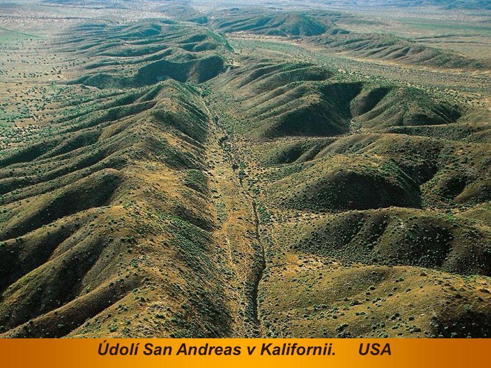 Údolí San Andreas v Kalifornii. USA