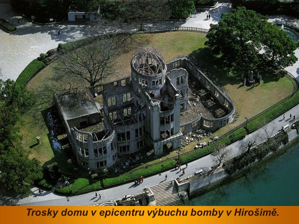 Trosky domu v epicentru výbuchu bomby v Hirošimě.