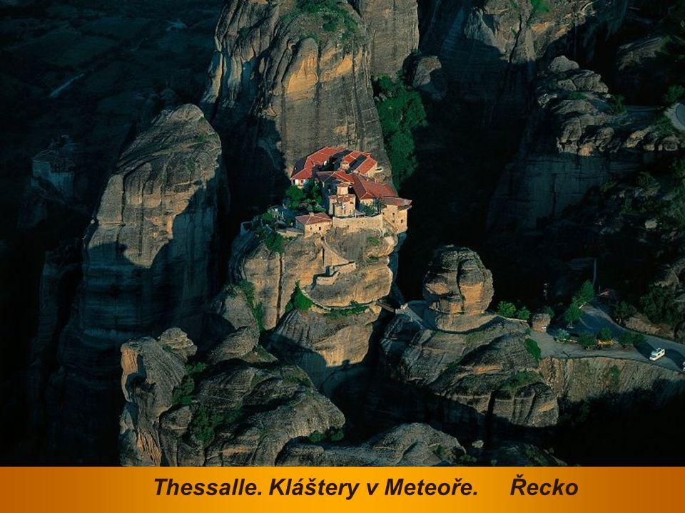 Thessalle. Kláštery v Meteoře. Řecko