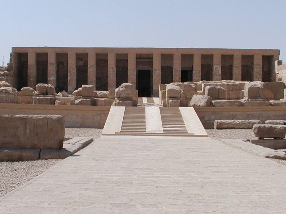 """Usir (Osiris) Jedna z nejvýznamnějších postav egyptského """"panteonu bohů. Bůh mrtvých , hlavní bůh Abydosu."""