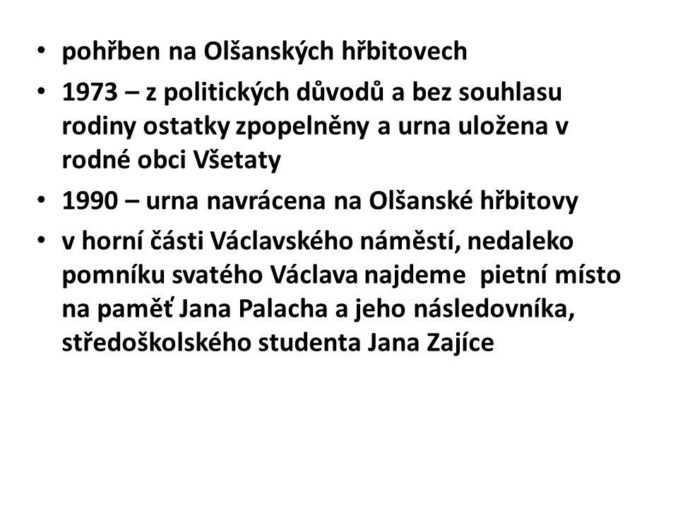 pohřben na Olšanských hřbitovech