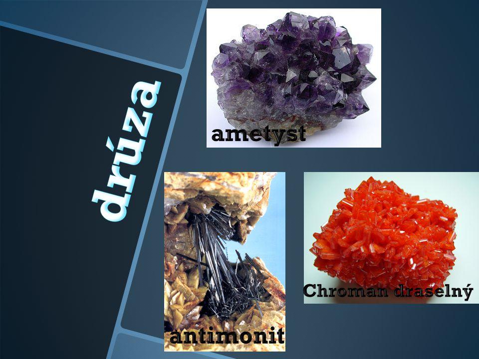 ametyst Chroman draselný antimonit