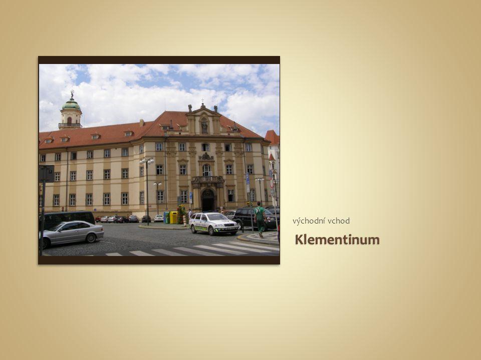 východní vchod Klementinum