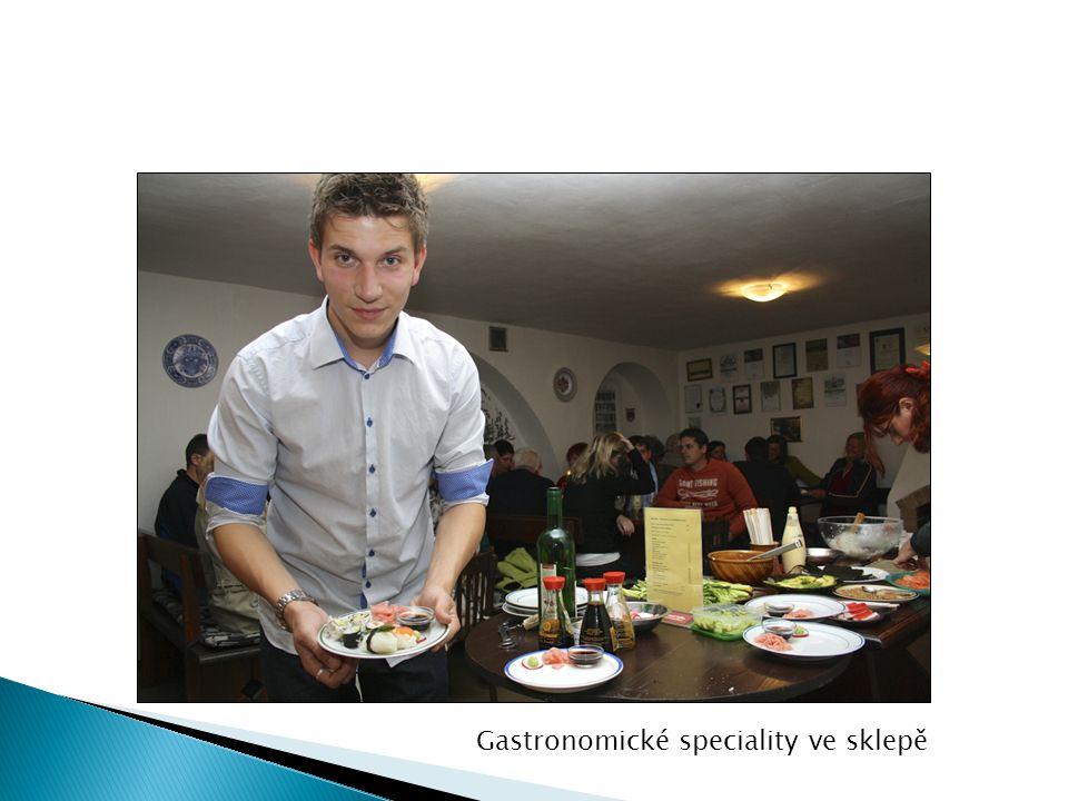 Gastronomické speciality ve sklepě