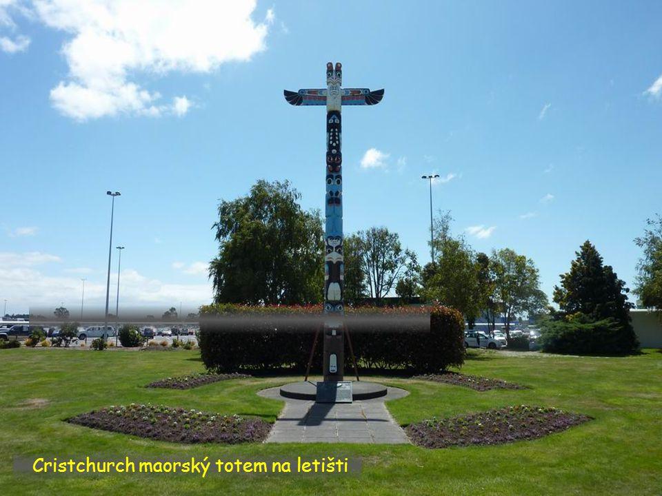 Cristchurch maorský totem na letišti