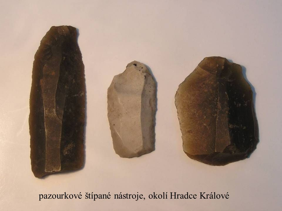 pazourkové štípané nástroje, okolí Hradce Králové