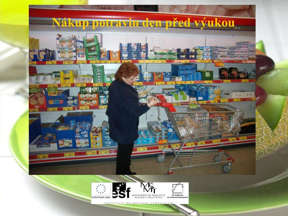 Nákup potravin den před výukou