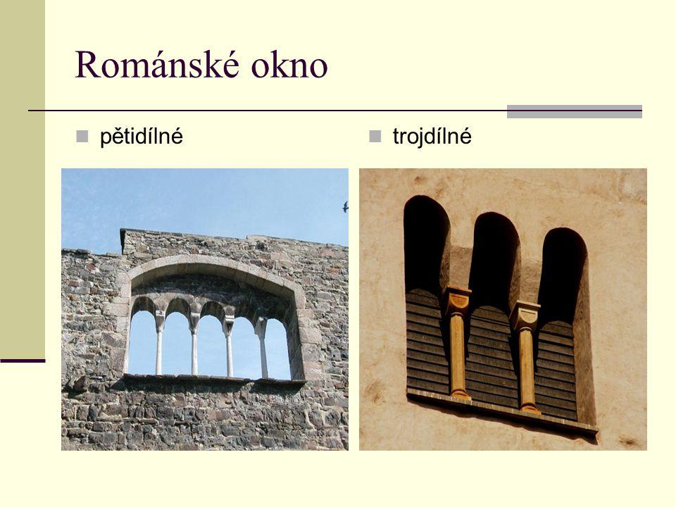 Románské okno pětidílné trojdílné