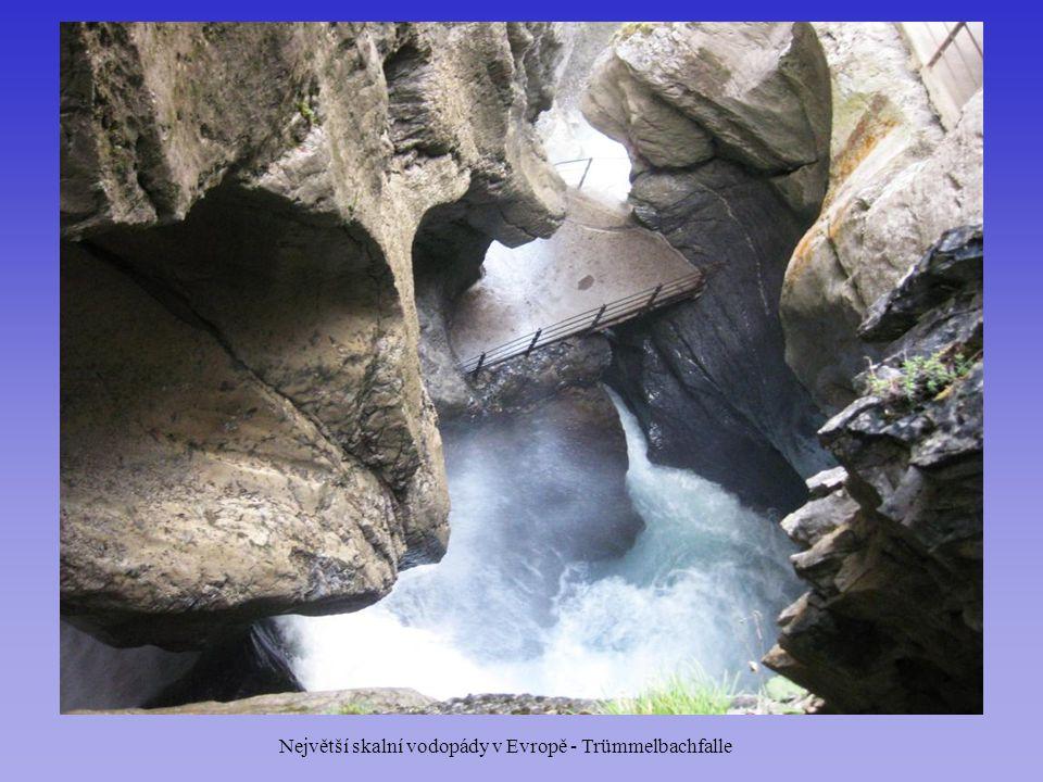 Největší skalní vodopády v Evropě - Trümmelbachfalle