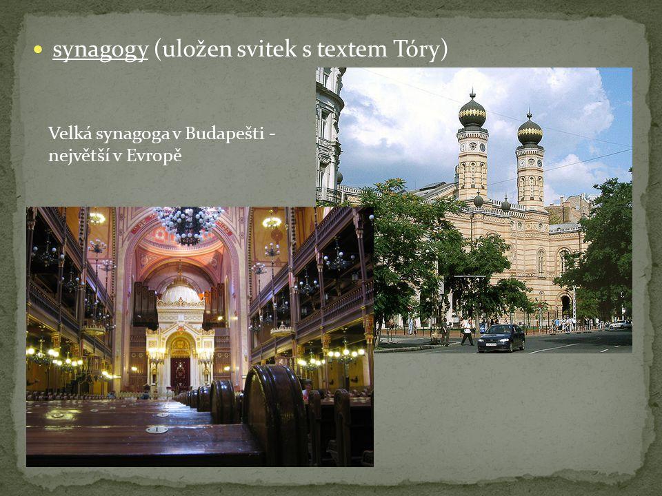 synagogy (uložen svitek s textem Tóry)