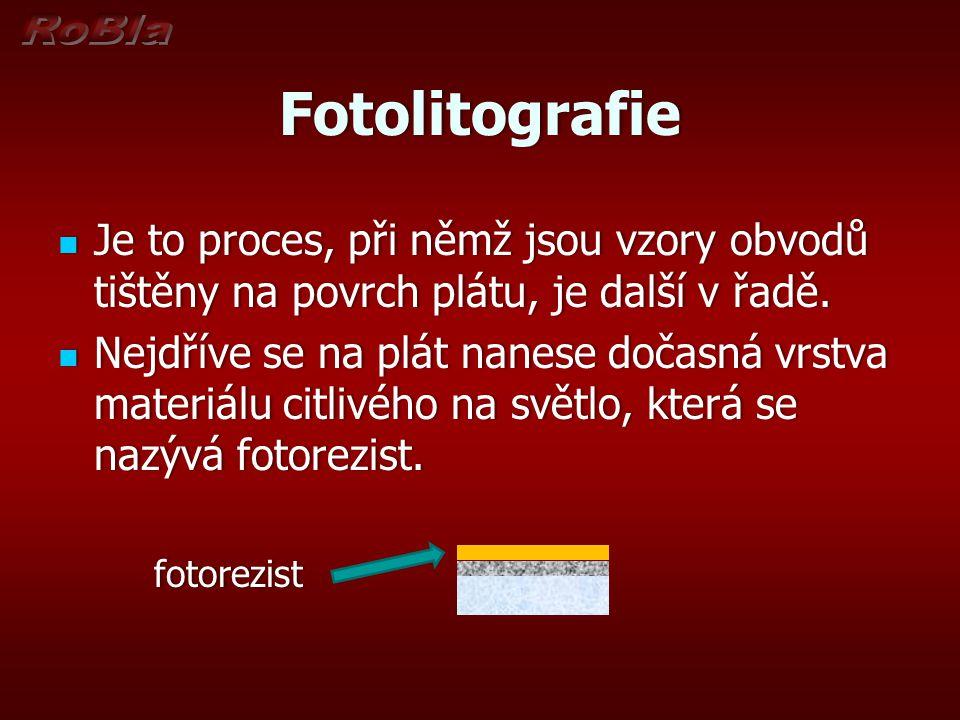 Fotolitografie Je to proces, při němž jsou vzory obvodů tištěny na povrch plátu, je další v řadě.