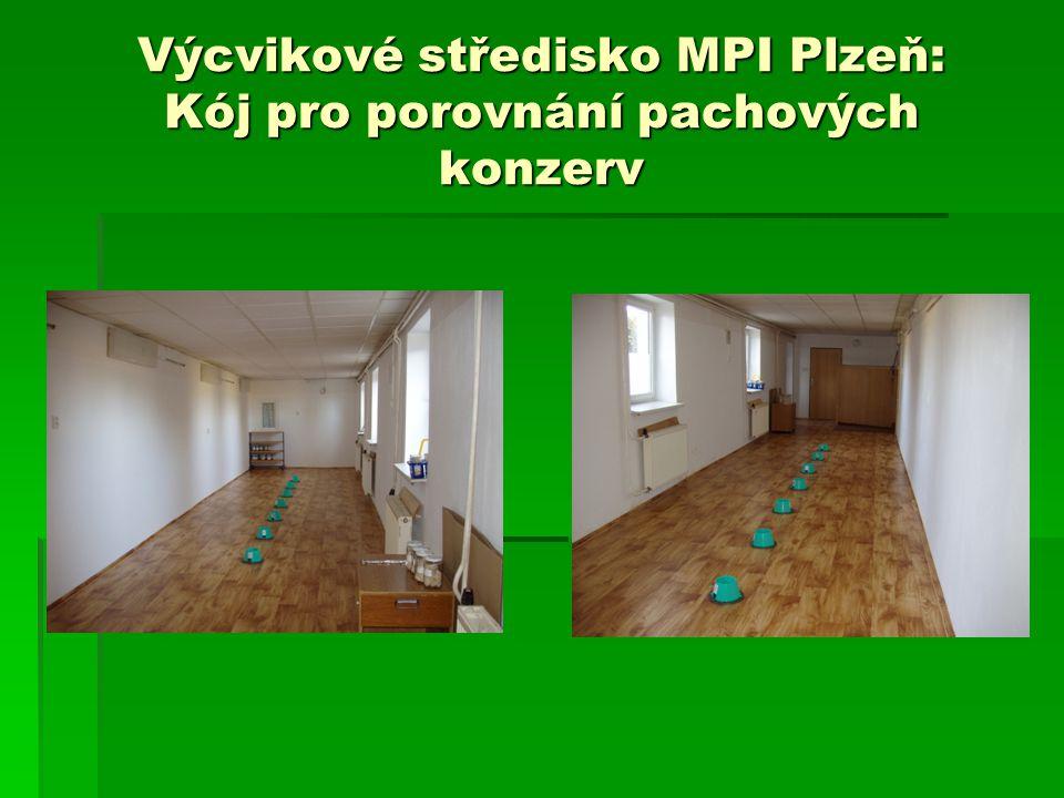 Výcvikové středisko MPI Plzeň: Kój pro porovnání pachových konzerv