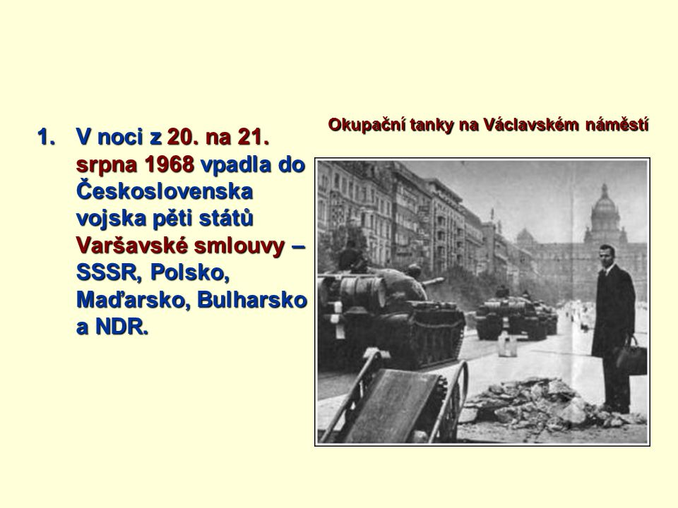 Okupační tanky na Václavském náměstí