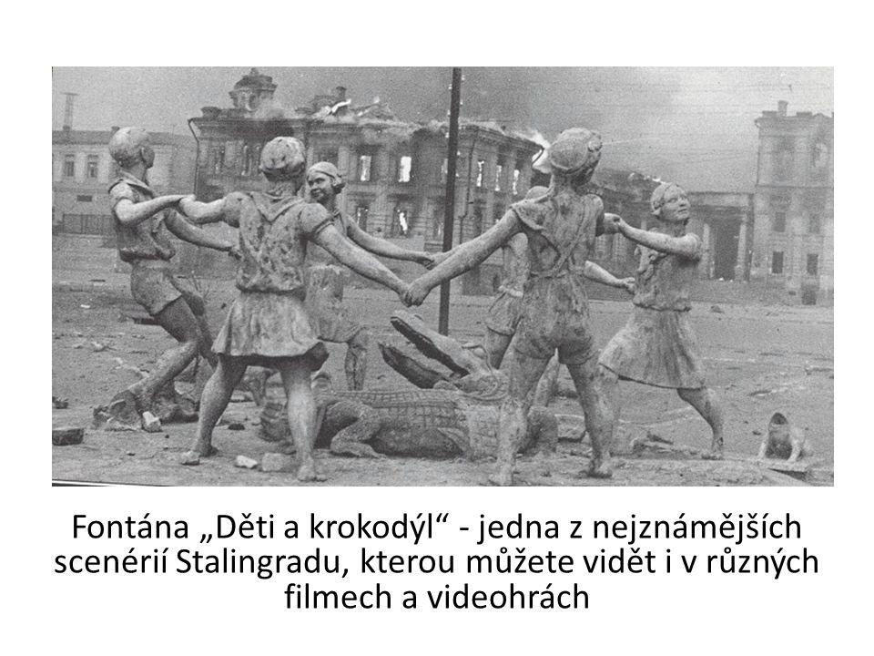 """Fontána """"Děti a krokodýl - jedna z nejznámějších scenérií Stalingradu, kterou můžete vidět i v různých filmech a videohrách"""
