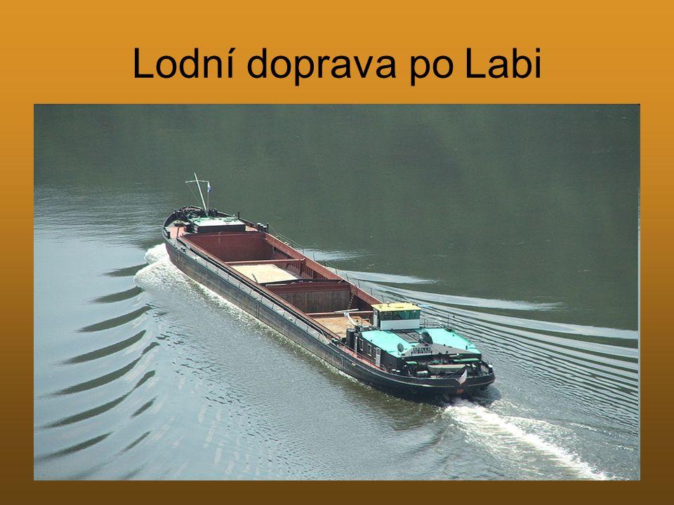 Lodní doprava po Labi