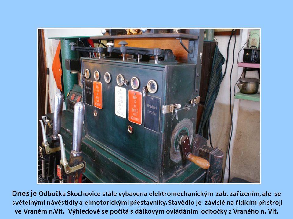 Dnes je Odbočka Skochovice stále vybavena elektromechanickým zab
