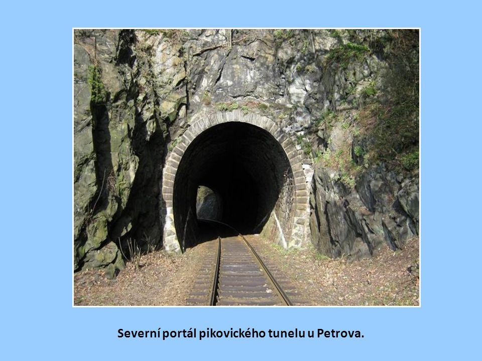 Severní portál pikovického tunelu u Petrova.