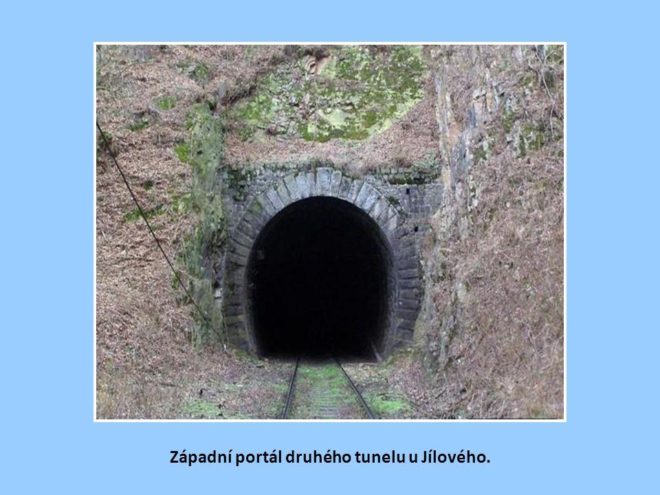 Západní portál druhého tunelu u Jílového.
