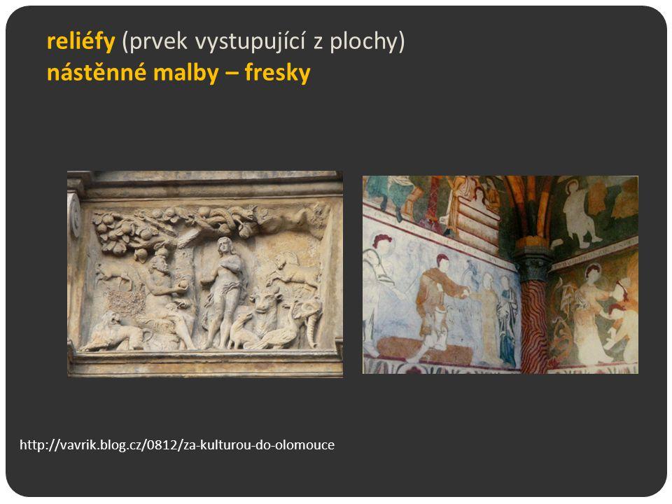 reliéfy (prvek vystupující z plochy) nástěnné malby – fresky
