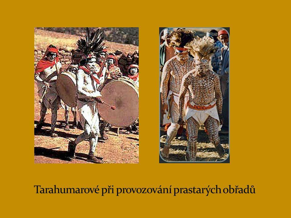 Tarahumarové při provozování prastarých obřadů