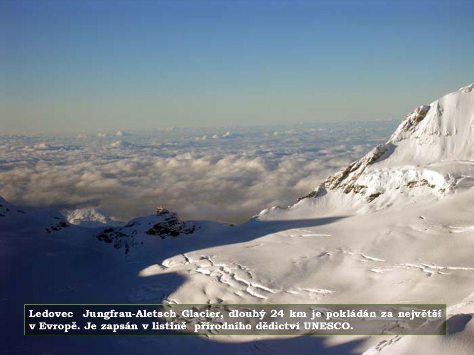 Ledovec Jungfrau-Aletsch Glacier, dlouhý 24 km je pokládán za největší v Evropě.