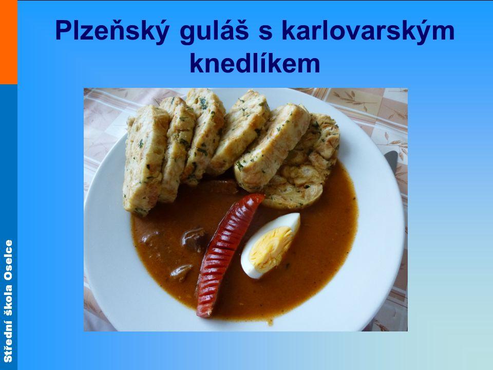 Plzeňský guláš s karlovarským knedlíkem