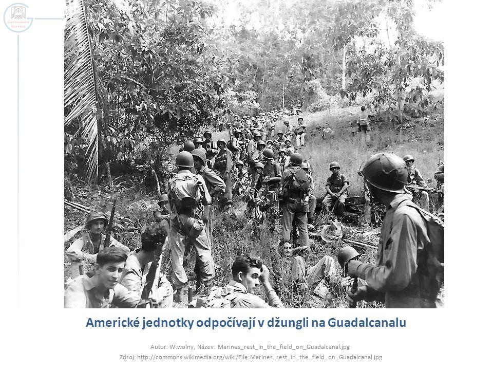 Americké jednotky odpočívají v džungli na Guadalcanalu