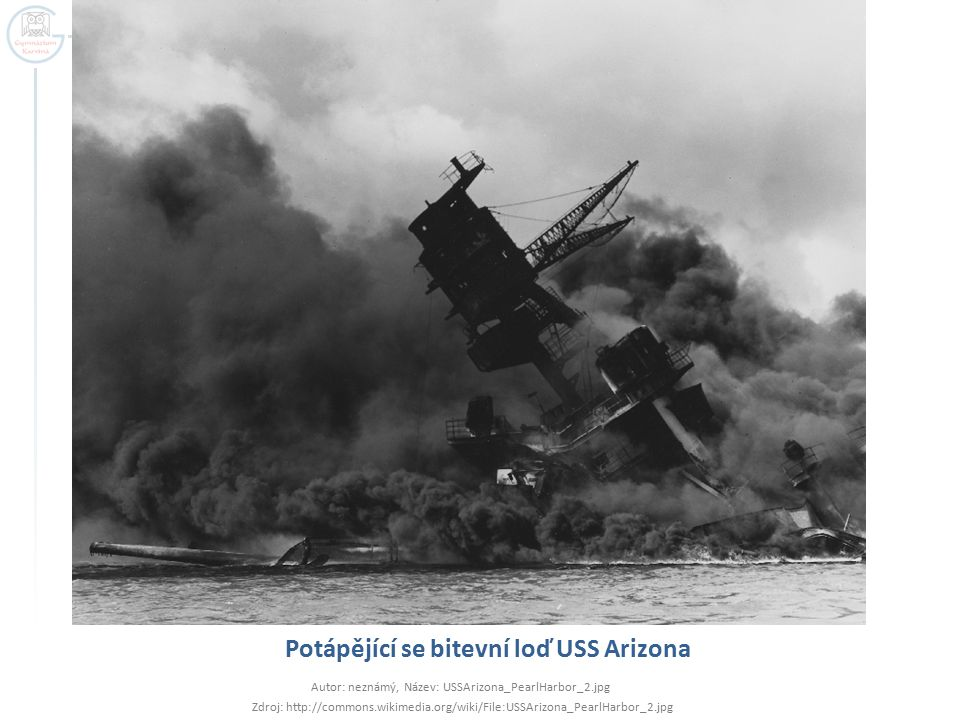 Potápějící se bitevní loď USS Arizona