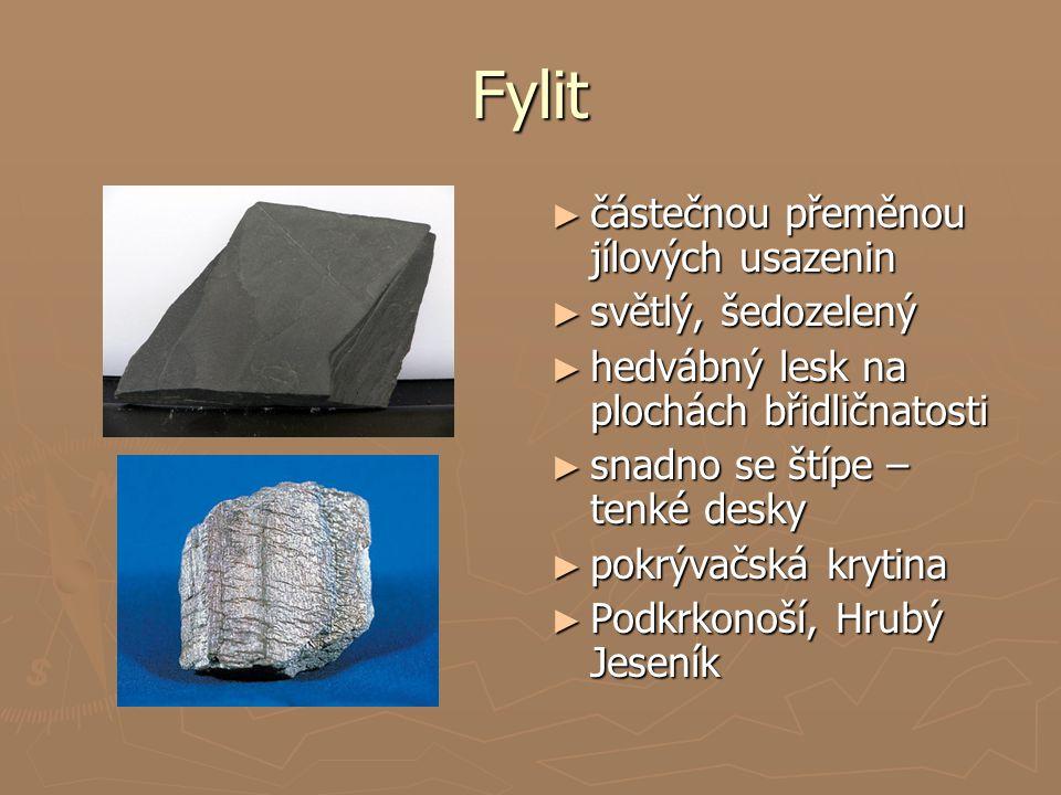 Fylit částečnou přeměnou jílových usazenin světlý, šedozelený