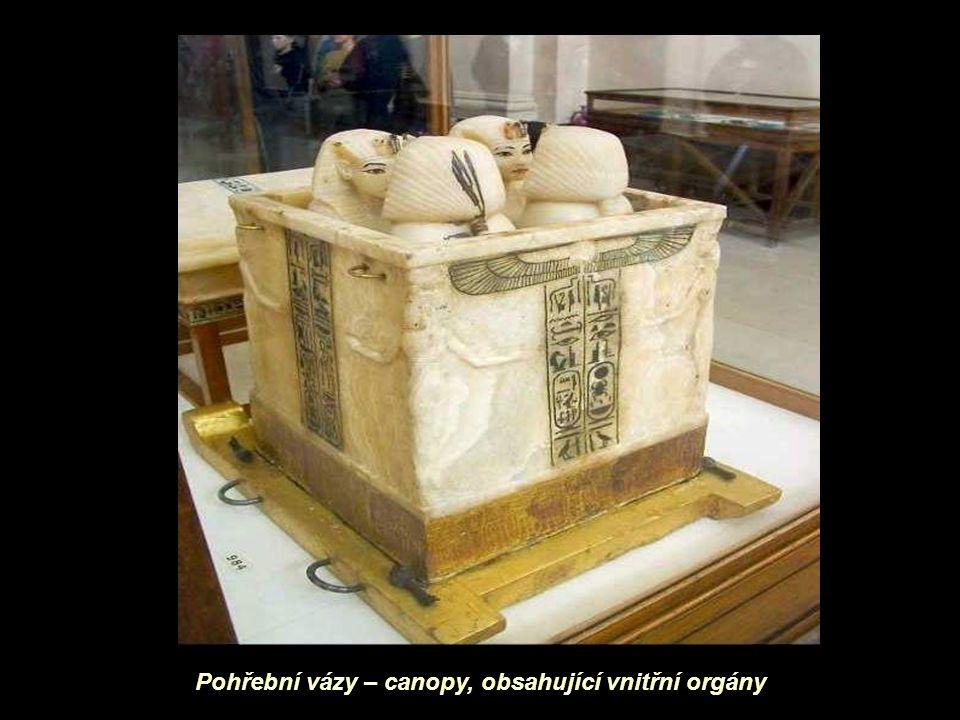 Pohřební vázy – canopy, obsahující vnitřní orgány