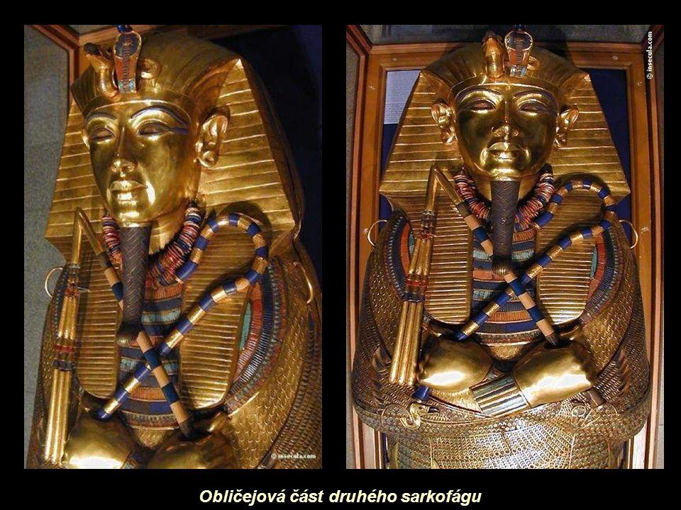 Obličejová část druhého sarkofágu