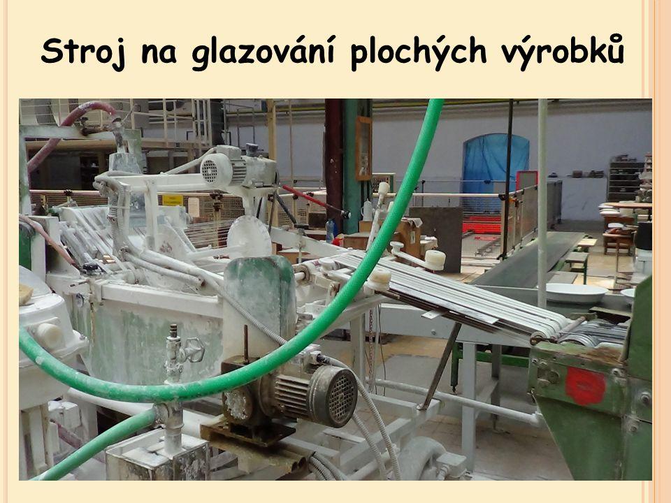 Stroj na glazování plochých výrobků