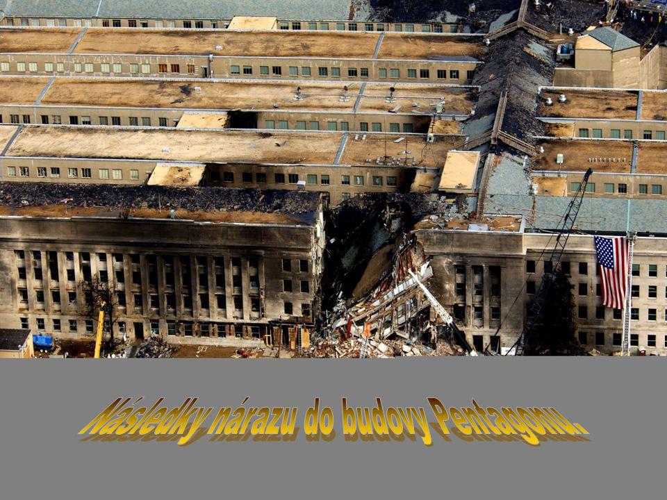 Následky nárazu do budovy Pentagonu.