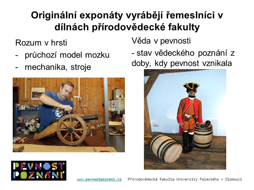 Originální exponáty vyrábějí řemeslníci v dílnách přírodovědecké fakulty
