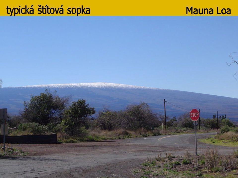 typická štítová sopka Mauna Loa