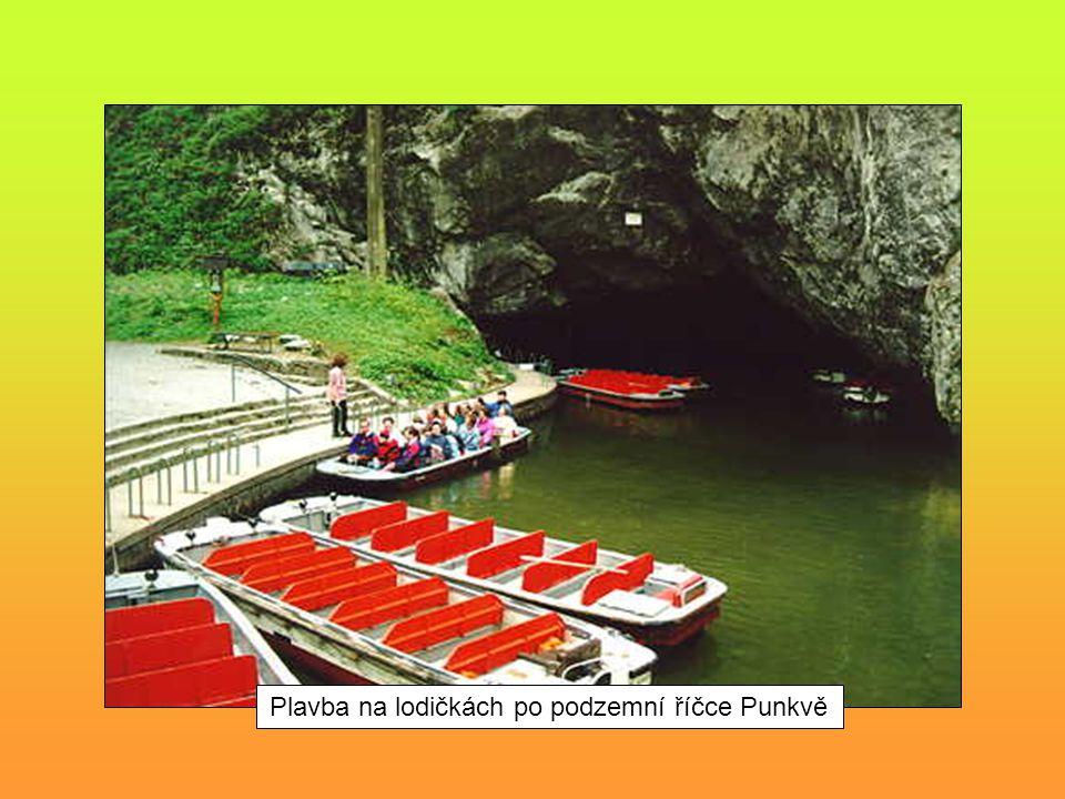 Plavba na lodičkách po podzemní říčce Punkvě