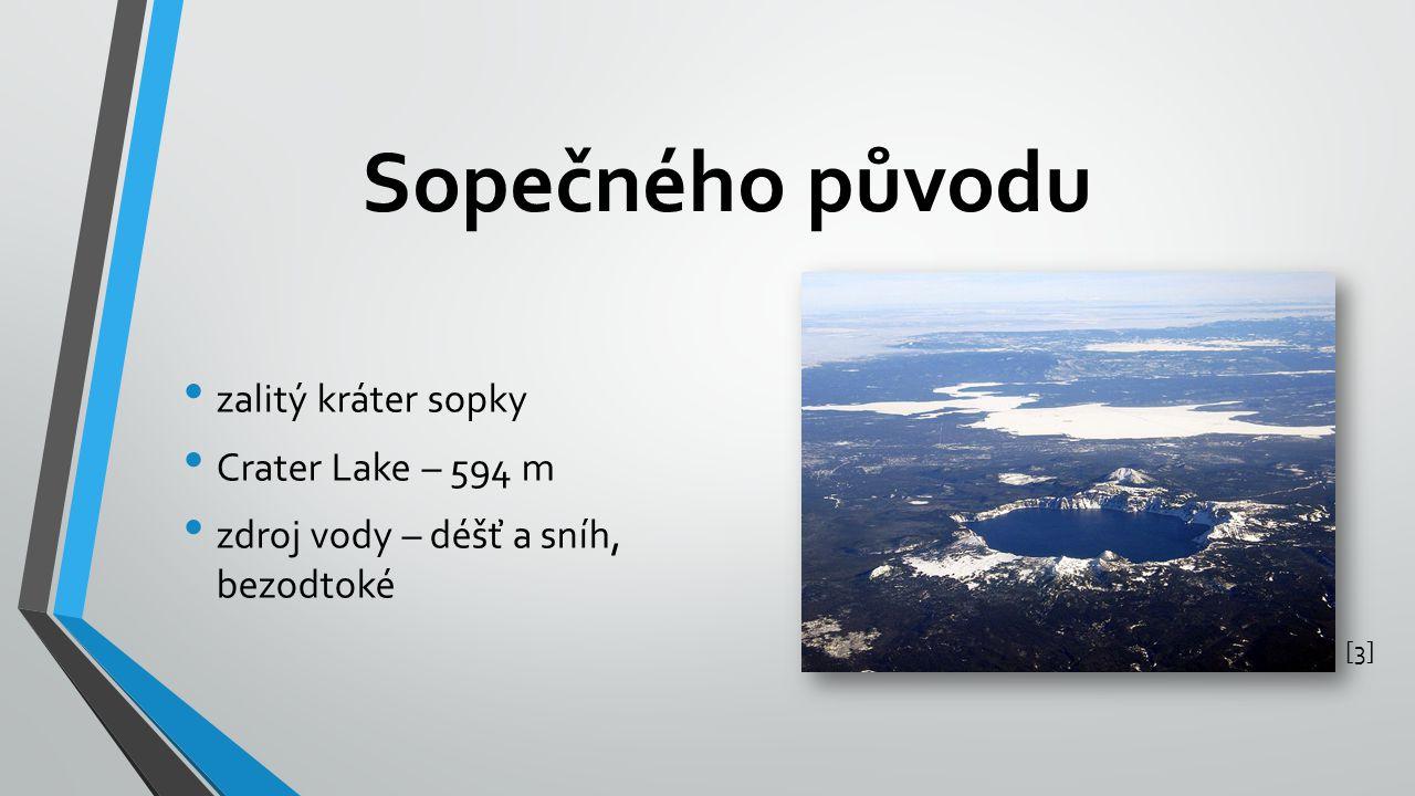 Sopečného původu zalitý kráter sopky Crater Lake – 594 m