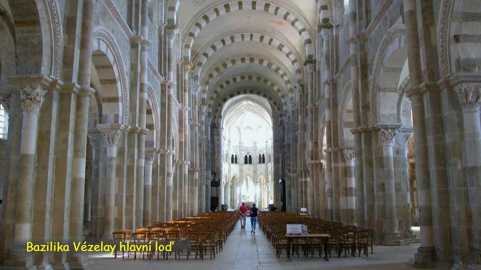 Bazilika Vézelay hlavní loď
