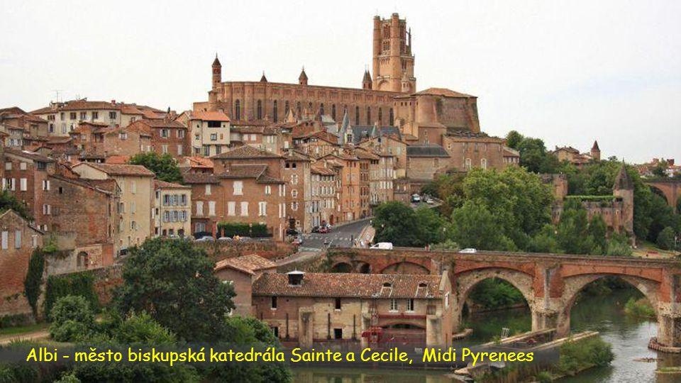 Albi - město biskupská katedrála Sainte a Cecile, Midi Pyrenees