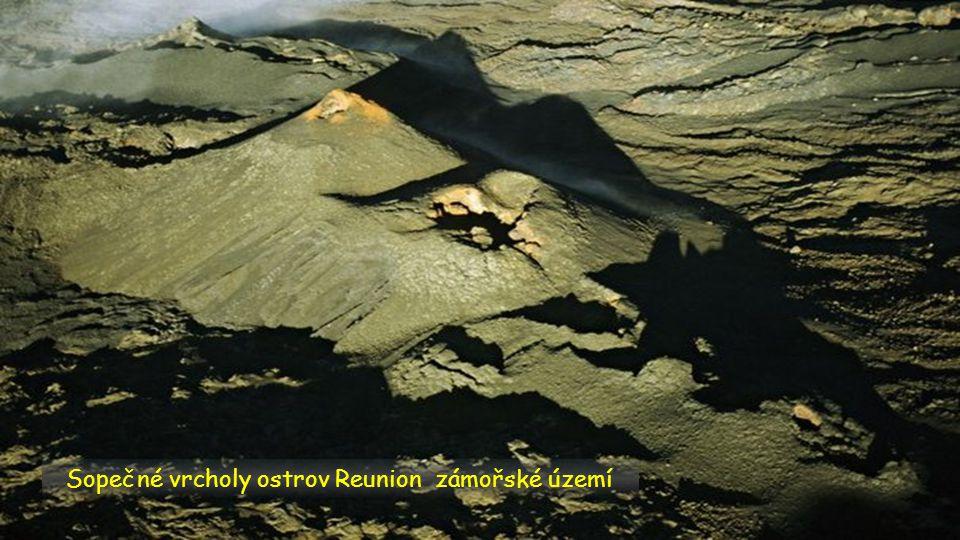 Sopečné vrcholy ostrov Reunion zámořské území
