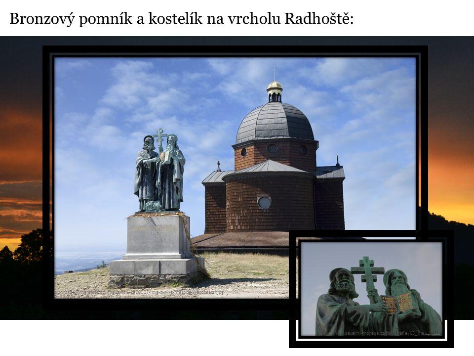 Bronzový pomník a kostelík na vrcholu Radhoště: